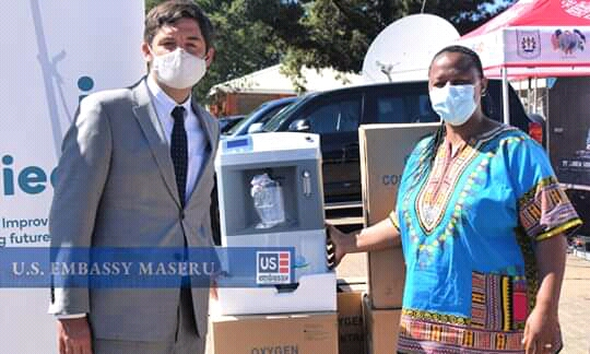 U.S. donates oxygen concentrators to local hospital